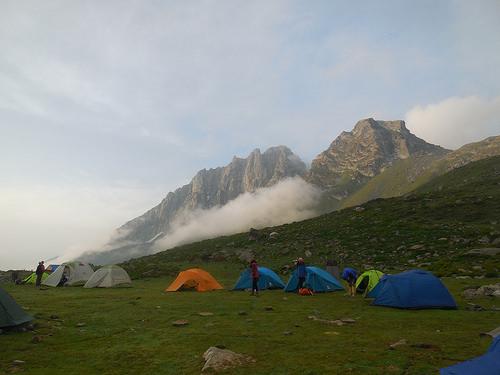 Kashmir vishansar lake trek