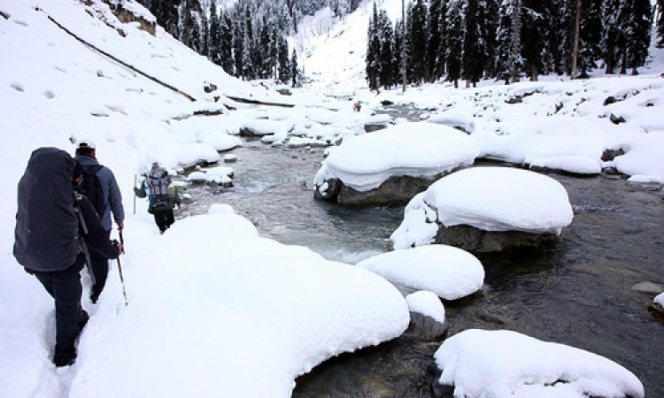 Winter treks in Kashmir