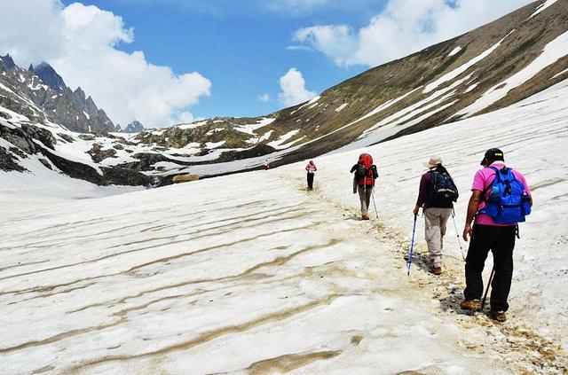 Hiking in Kashmir valley