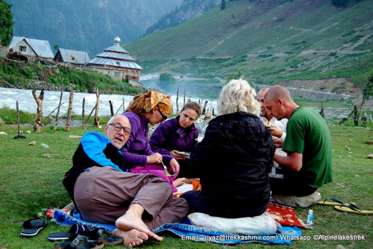 Kashmir hiking routes