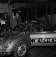alpine-a110-berlinette-bri-gendarmerie-8