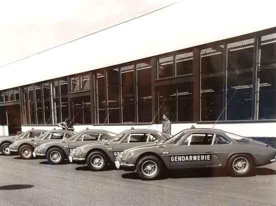 alpine-a110-berlinette-bri-gendarmerie-9