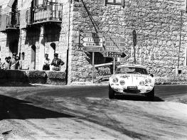 Dubino and Vesco at speed during the 1975 Targa Florio.
