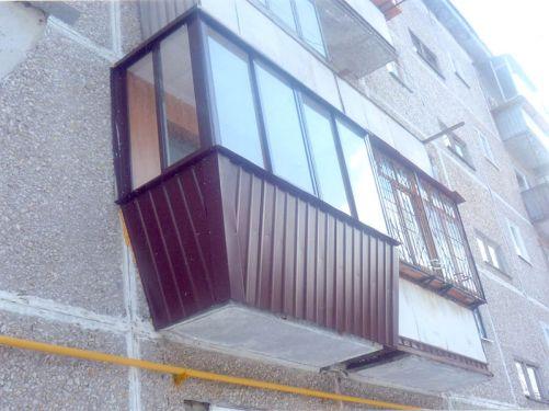 Обшивка балконов и лоджий снаружи альпинистами