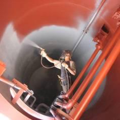 Антикоррозийная защита металлоконструкций альпинистами