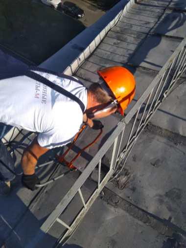 Герметизация и ремонт кровли крыши альпинистами