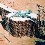ATLAS-I, un gigantesco caballete de madera para estudiar los pulsos electromagnéticos en aviones