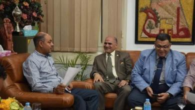 صورة محجوب يلتقى رئيس جهاز مدينة طيبة لمناقشة المشروعات الخاصة بجامعة الأقصر