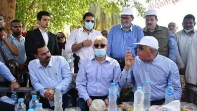 صورة وزير الزراعة ومحافظ الاقصر يتفقدان عدد من انشطة مشروعات التنمية الشاملة ودعم صغار المزارعين بقرية البغدادي