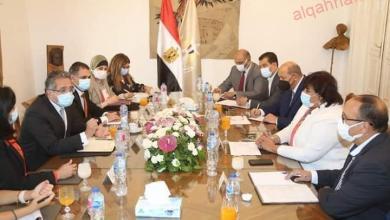 """صورة محافظ أسيوط يترأس اجتماع مناقشة الموقف التنفيذي لمشروعات المبادرة الرئاسية """"حياة كريمة"""