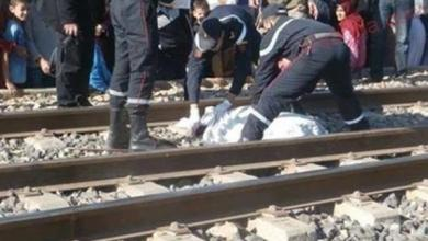 صورة مصرع شاب تحت عجلات القطار بعد إلقائه منه بغرض سرقة هاتفه بالمحلة الكبرى.