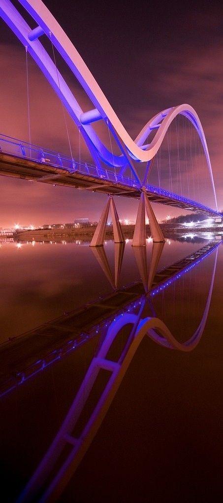 Cruzar con paso firme el puente hacia el mundo de la empresa te asegura un buen aterrizaje