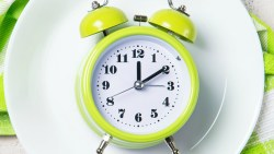 الصيام المتقطع لخسارة الوزن و السعرات الحرارية