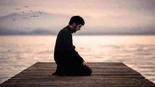 تفسير حلم الصلاة على سطح المنزل في المنام