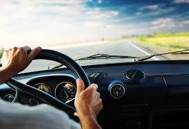 تفسير حلم السائق يقود بسرعة في المنام