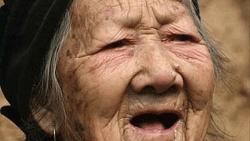 تفسير حلم رؤية امرأة عجوز شريرة في المنام