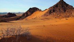 تفسير رؤية الرمل في المنام للعزباء