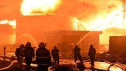 حريق هائل يلتهم سوق مركزي بالكويت