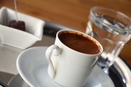 تفسير رؤية فنجان القهوة للعزباء