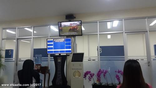 Ruangan tunggu Interview di kantor imigrasi jakarta barat image