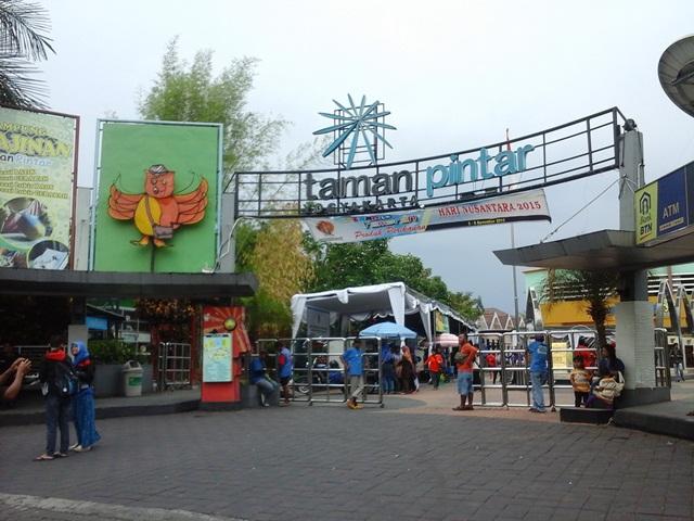 wisata taman pintar yogyakarta (flickr.com)