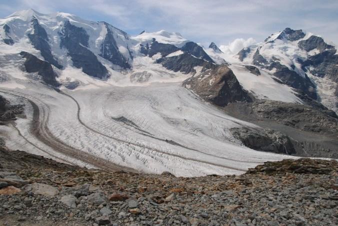 Aussicht auf den Festsaal der Alpen: Piz Bernina (rechts) und Piz Palü (links)
