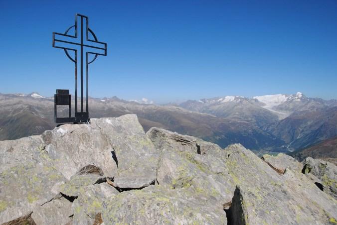 Der Gipfel des Brudelhorn - einsam, sonnig und aussichtsreich