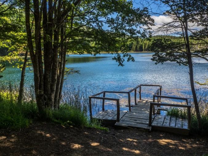 Friedlicher See im Coyhaique-Park