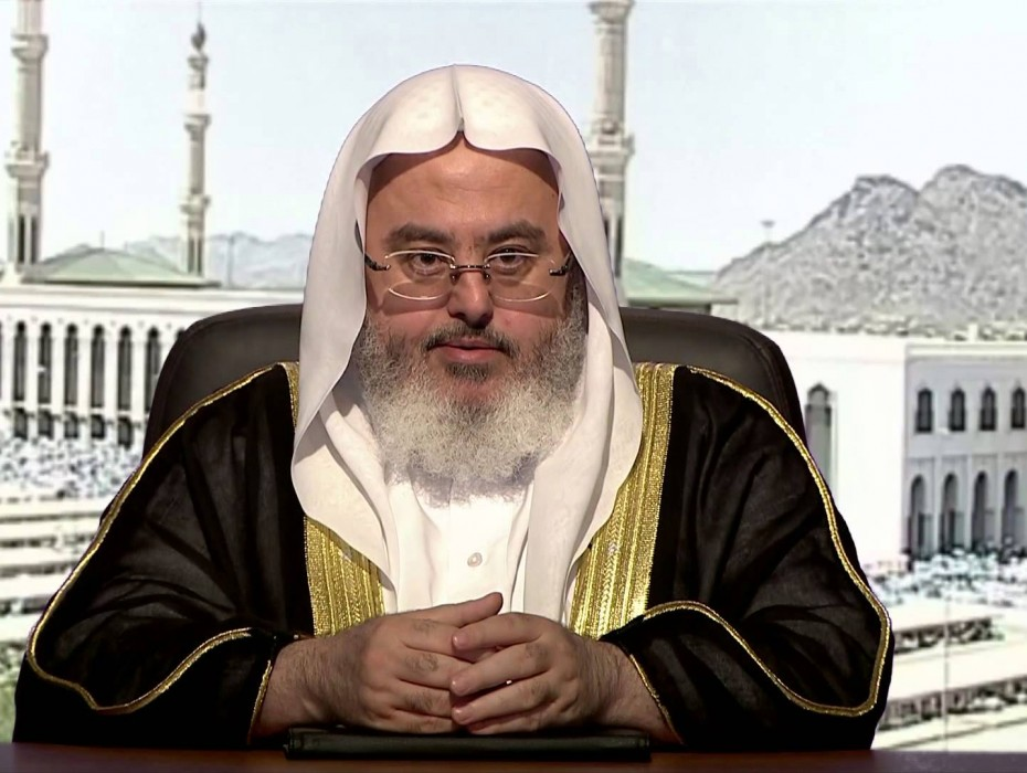 الشيخ المنجد يحلف بأنه لا يوجد مثل هذه الأيام