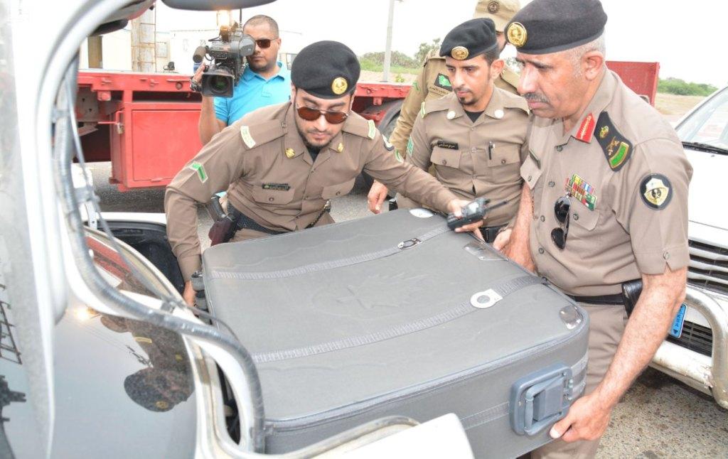 مدير شرطة عسير يتفقد نقاط الفرزعلى الطرق المؤدية إلى مكة المكرمة