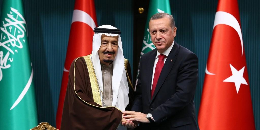 خادم الحرمين الشريفين يشكر أردوغان على ترحيبه بتشكيل فريق عمل مشترك لبحث اختفاء خاشقجي