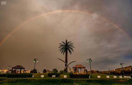 بالصور ..هطول امطار على منطقة الباحة