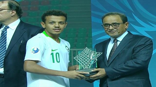 العمار يحصل على جائزة أفضل لاعب واعد في آسيا