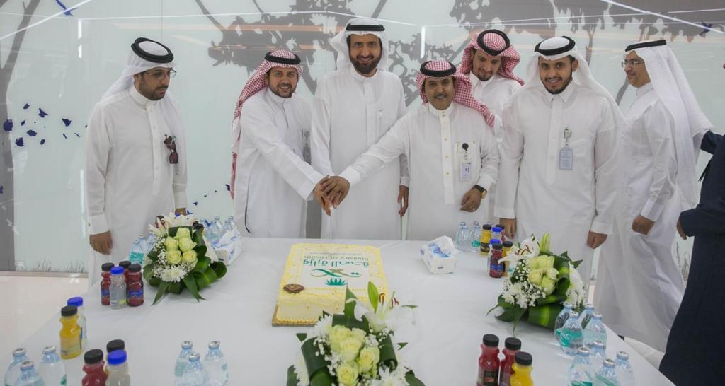 وزير الصحة يدشن المشاريع التطويرية وبرج الطوارئ بمستشفى الايمان