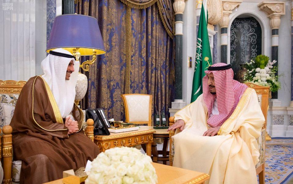 خادم الحرمين الشريفين يلتقي رئيس مجلس الأمة الكويتي