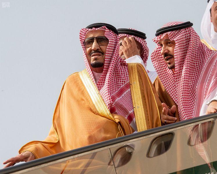 خادم الحرمين الشريفين يصل إلى الرياض ويشكر ملك البحرين بعد مغادرته المنامة