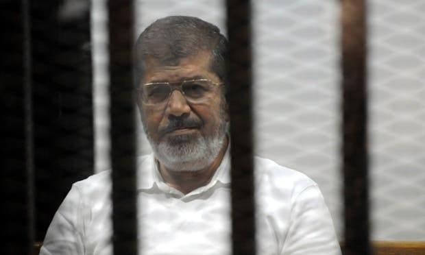 النيابة العامة المصرية:المعزول مرسي سقط أثناء المحاكمة وفارق الحياة