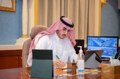 أمير الجوف يرأس اجتماع اللجنة العليا لتوطين المهن