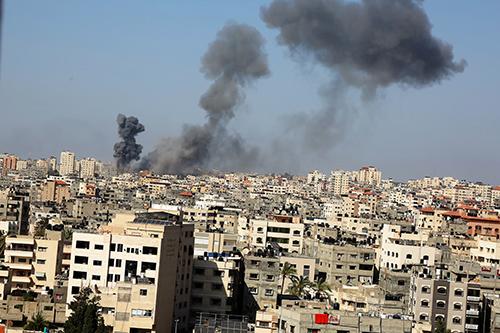 العدوان الإسرائيلي يحصد 65 قتيلاً بينهم 16 طفلاً في غزة