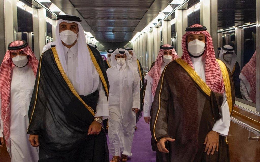 ولي العهد يستقبل أمير قطر