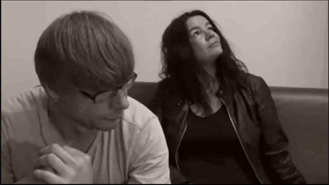 Para Lia - Riders On The Dike Feat. Amanda Kim Sanderson (Review)