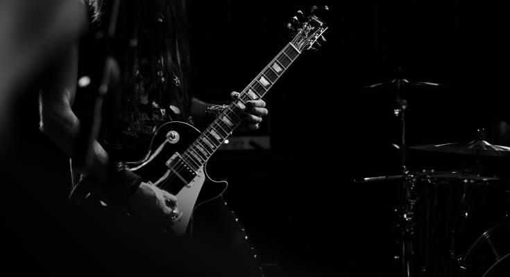 buying a guitar as a beginner