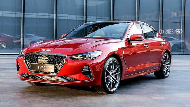 Genesis G70: Esta ranchera premium de Hyundai llegada para rivalizar con modelos como el Audi A4, el BMW Serie 3 o el Mercedes Clase C, dispone de propulsores gasolina de 252 y 365 CV. Cuenta con tecnología de última generación enfocada al confort, la deportividad y la seguridad.