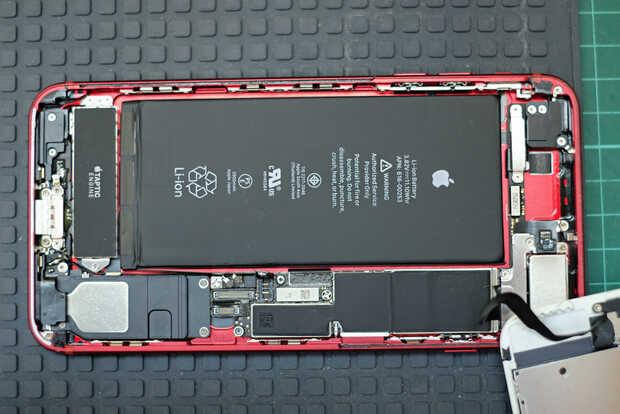 Apple autoriza reparación del iPhone independiente pero con piezas oficiales