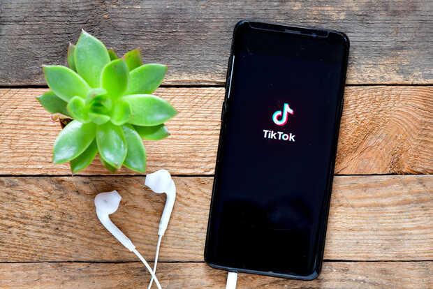 Falla en TikTok permite manipular videos de los usuarios
