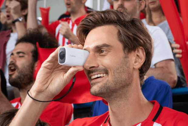 Canon PowerShot Zoom es la cámara compacta con forma de un telescopio de bolsillo