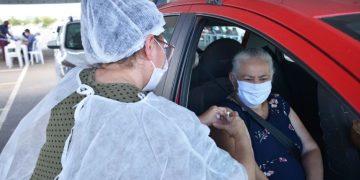 Aparecida de Goiânia dá continuidade a vacinação, agora imunizando idosos acima dos 60 anos (Foto: Claudivino Antunes)