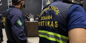 Fiscalização da Prefeitura de Goiânia interdita bares e casa de streap tease na capital (Foto: Prefeitura de Goiânia)