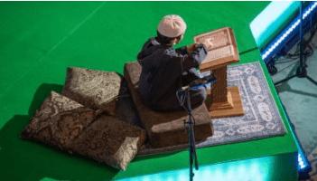 Photo of بالفيديو.. لماذا لا يحزن قارئ القرآن؟