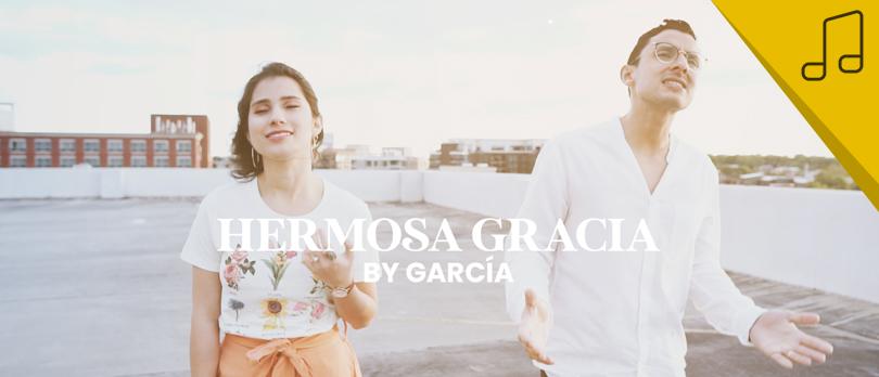 By García